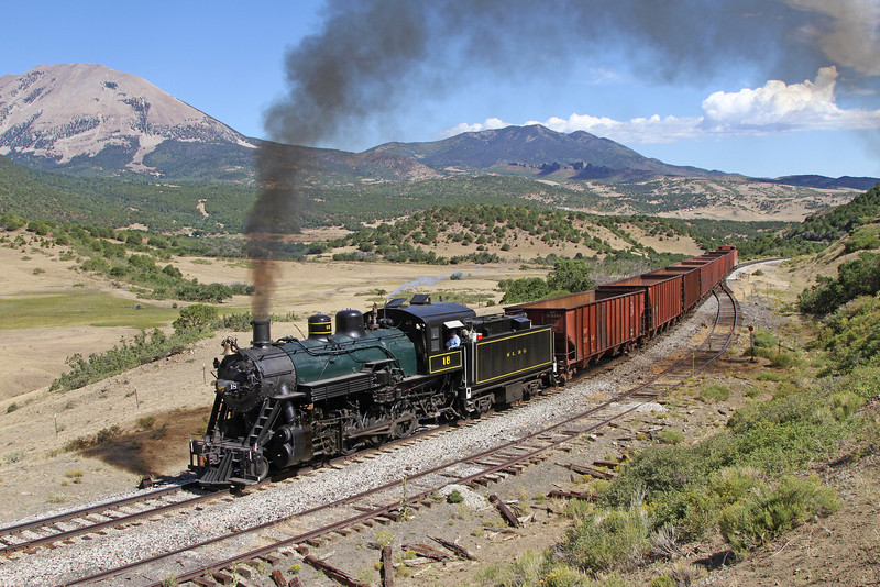 LS&I #18 westbound at Occidental (August 2011)