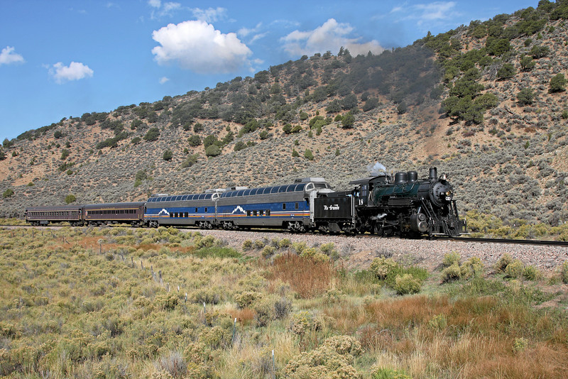 LS&I #18 climbs past Forbes Park with a daily excursion (October 2008)