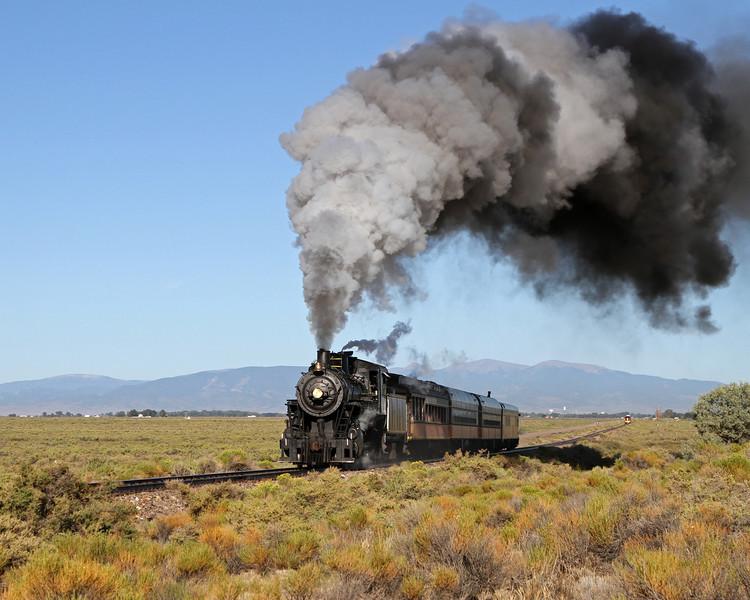 LS&I #18 steams east near milepost 245, east of Alamosa (August 2011)