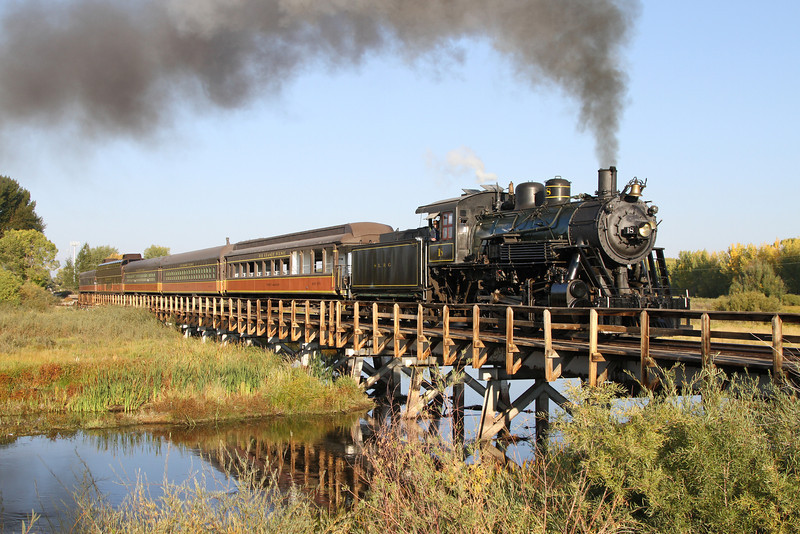 LS&I #18 crosses the Rio Grande River at Alamosa (September 2012)