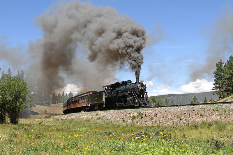 LS&I #18 eastbound at milepost 208.7, approaching the Mule Shoe Loop and Fir (August 2011)