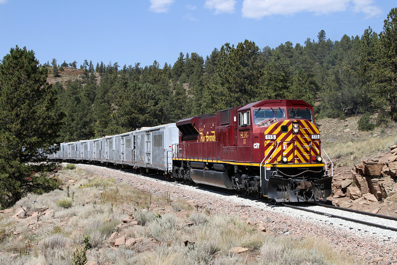 SLRG SD90MAC #115 with an eastbound freight at milepost 211.6 (September 2012)