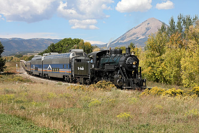 LS&I #18 crosses West Street in La Veta with a daily excursion (October 2008)
