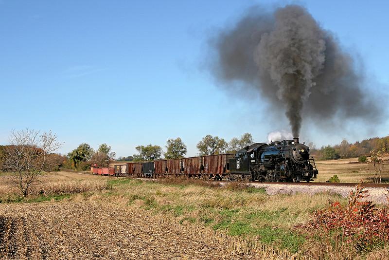 Soo Line 1003 charges east toward Brandon Road in Brandon, Wisconsin.