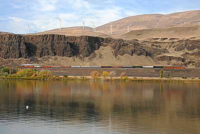 SP Daylight 4449 seen from across the Columbia River in Rufus, Oregon