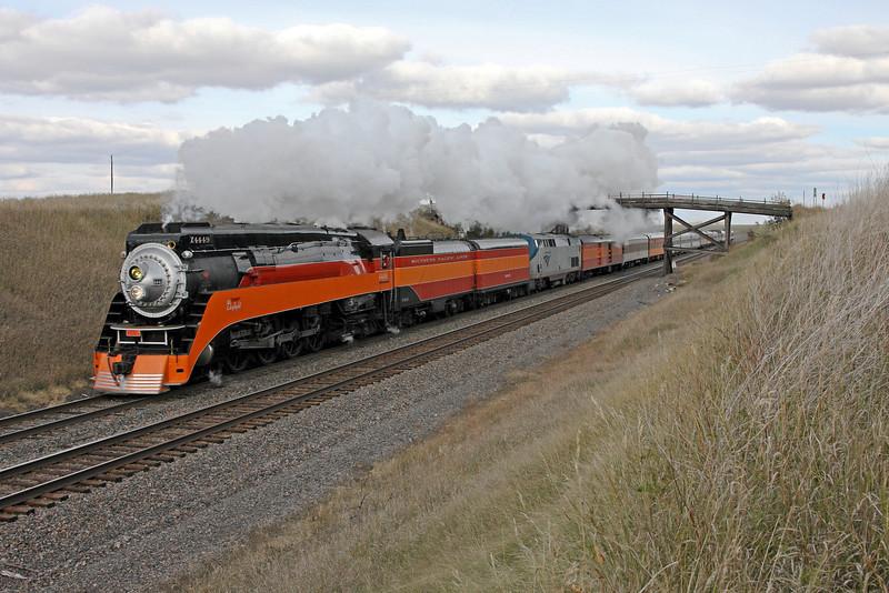 SP Daylight 4449 at Manitoba Jct, Minnesota