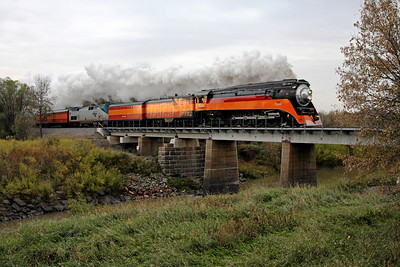 SP Daylight 4449 at Harwood, North Dakota (Sheyenne River Bridge)