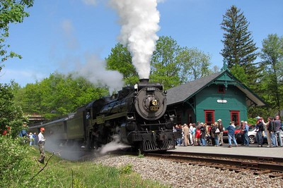 Steamtown excursion at Cresco Station - May 19, 2007