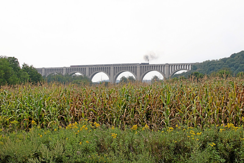 Steamtown excursion crosses Tunkhannock Viaduct in Nicholson - September 9, 2007