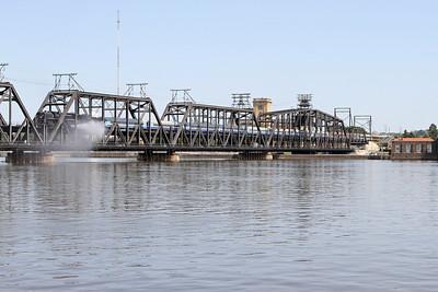 Iowa Interstate QJ 6988 crosses the Government Bridge between Arsenal Island and Davenport, Iowa
