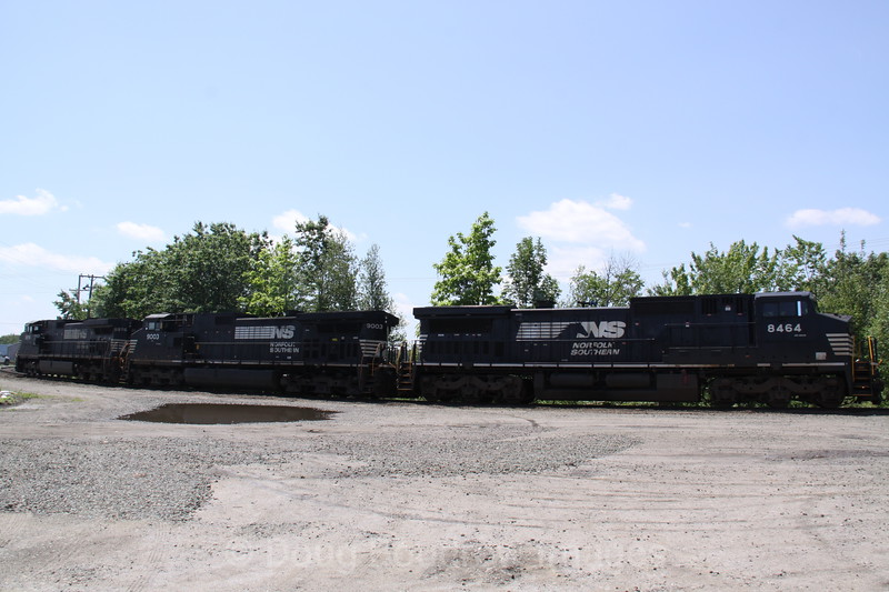 Norfolk Southern power lines up for the AYMO, 6-2-10