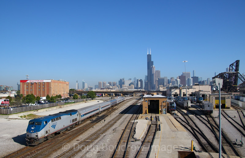 Amtrak departs Chicago on a busy Friday morning, 9-14-18.