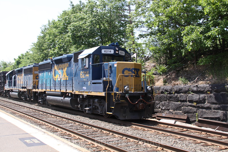 CSX #s 6214 and 6207 pull a load of mixed freight cars towards Boston, 5-26-10.