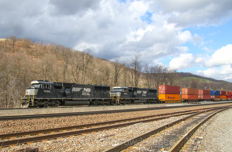 A Westbound intermodal heads through South Fork, 4-4-17.