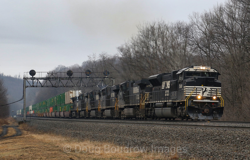 Eastbound at Lilly, 4-6-19.