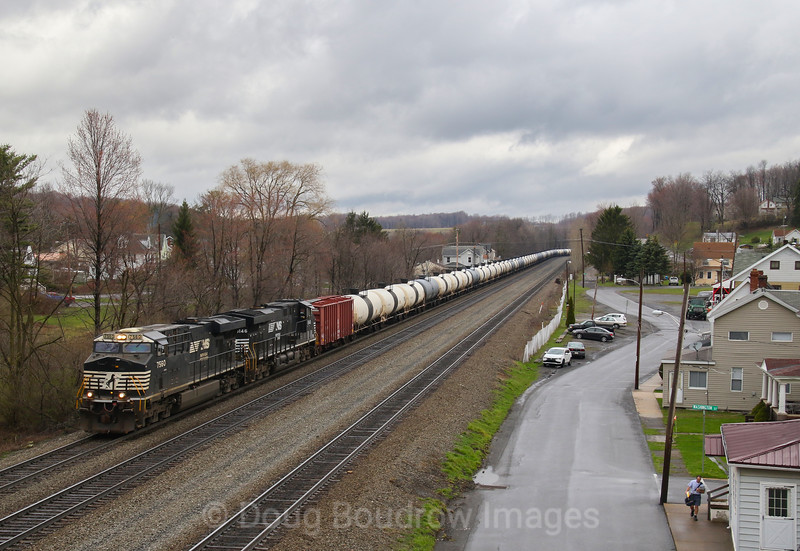 A Westbound tank train passes Lilly on the morning of 4-4-17.