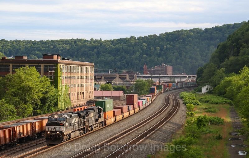 An Eastbound intermodal at Johnstown, 5-24-19.