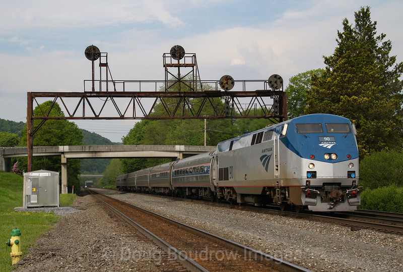 The Eastbound Pennsylvanian passes the now extinct signals at Summerhill, 5-23-19.