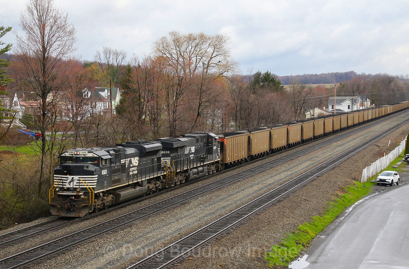A Westbound empty coal drag passes Lilly on the morning of 4-4-17.