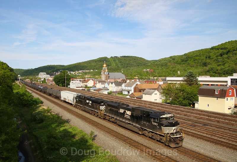 Westbound tanks at Johnstown, 5-24-19.