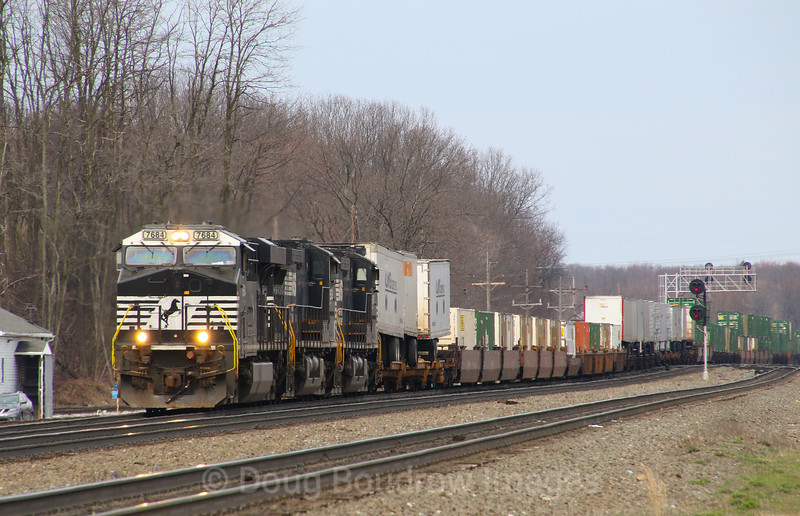 A Westbound intermodal passes Cresson on 4-3-17.