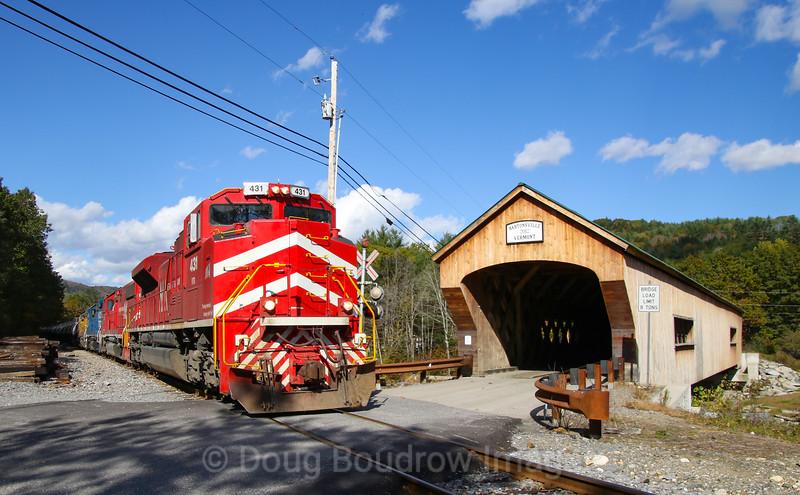 GMRC Slurry Train 263 at Bartonsville Covered Bridge, 10-20-18.