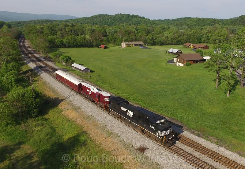 The geometry train heads West at Wabun, 5-8-16.
