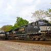 Westbound freight at Elliston, 5-6-16.