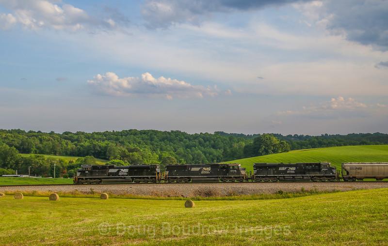 Eastbound grain train 50E passes Goodview; 5-30-17