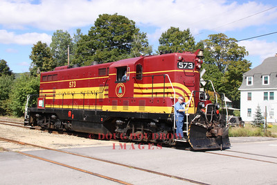 #573, a former Maine Central GP-7 runs around the train at Bartlett, 9-18-10.