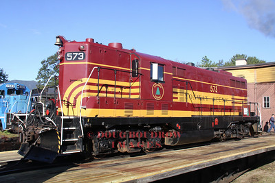 #573, a former Maine Central GP-7 sits on the turntable, 9-18-10.