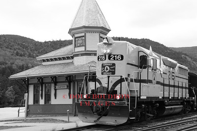 "Engine #216 pulling a ""Notch Extra"" bound for Fabyan Station pulls into Crawford Depot, 9-19-10."