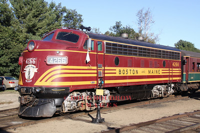 Owned by the 470 Railroad Club, and leased to the CSRR, former B&M F7 #4266 basks in the morning sunlight, 9-18-10.