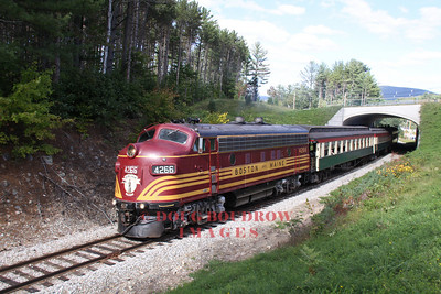 Owned by the 470 Railroad Club, and leased to the CSRR, former B&M F7 #4266 pulls an afternoon Bartlett train, 9-18-10.