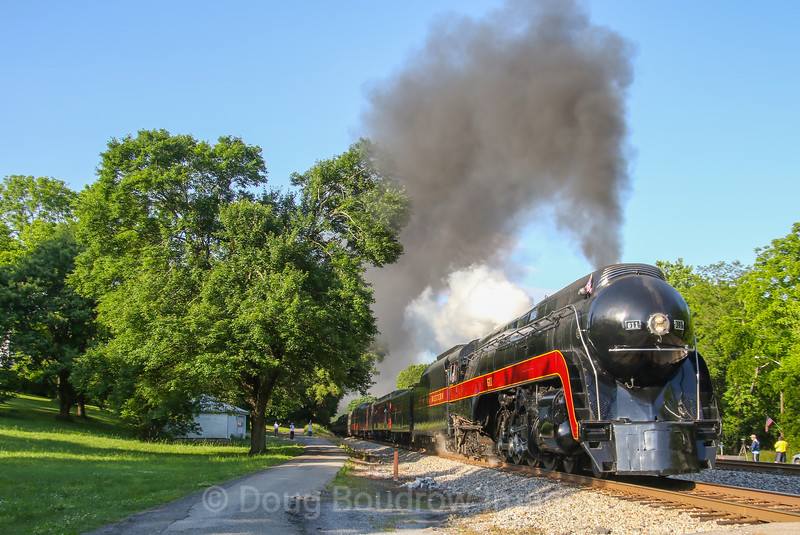 On the first trip of the weekend the infamous 611 heads through Bonsack bound for Lynchburg, 5-27-17.