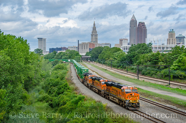 Photo 3918 BNSF Railway (on Norfolk Southern); Cleveland, Ohio August 16, 2016