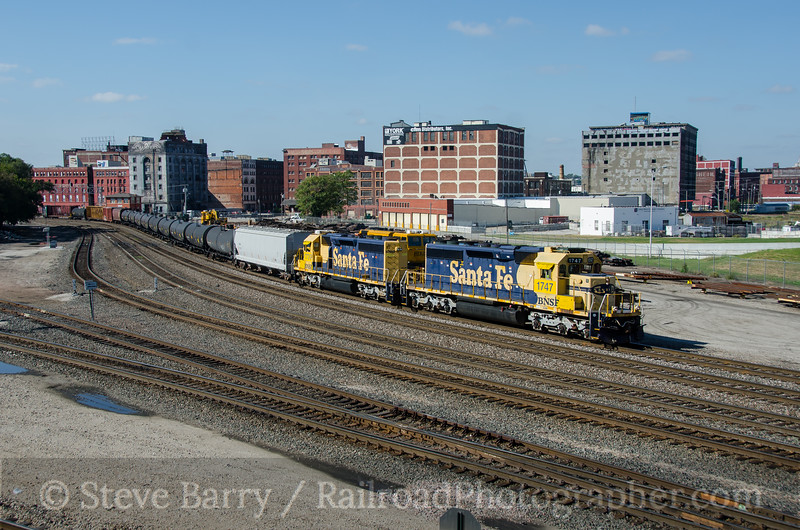 Photo 3968<br /> BNSF Railway; West Bottoms, Kansas City, Missouri<br /> October 16, 2016