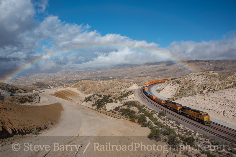 Photo 4327<br /> BNSF Railway<br /> Summit, Cajon Pass, California<br /> September 21, 2017