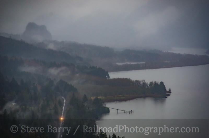 Photo 3698<br /> BNSF Railway; Cape Horn, Washougal, Washington<br /> March 15, 2016