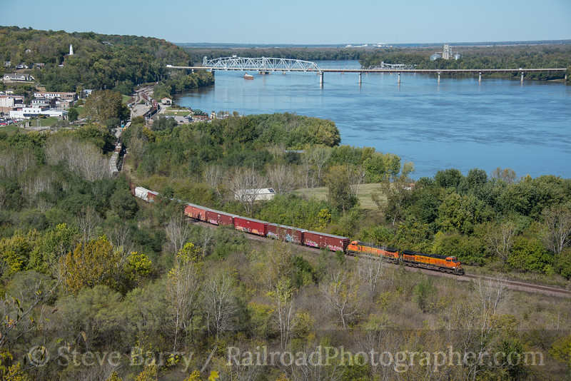 Photo 4373<br /> BNSF Railway<br /> Hannibal, Missouri<br /> October 16, 2017