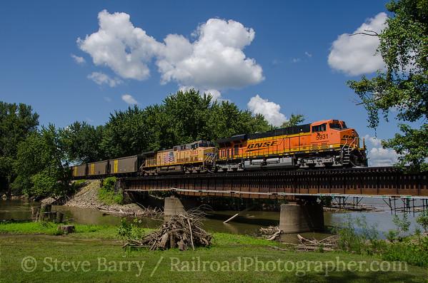 Photo 3442 BNSF Railway; Louisiana, Missouri August 11, 2015