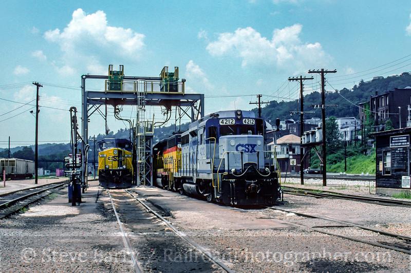 Photo 4993<br /> CSX Transportation<br /> Grafton, West Virginia<br /> June 1995
