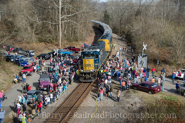 Photo 3263 CSX Santa Train; Fort Blackmore, Virginia November 22, 2014