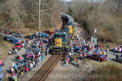 Photo 3263 CSX Santa Train; Fort Blackmore, Virginia November 22, 2014