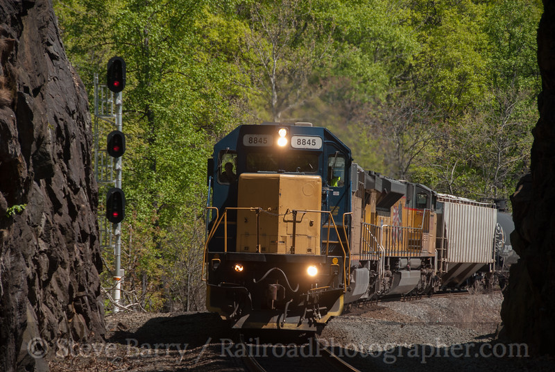 Photo 2568<br /> CSX Transportation; Fort Montgomery, New York<br /> April 29, 2012