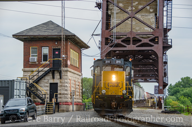 Photo 3461<br /> CSX (on Louisville & Indiana); Clagg Tower, Louisville, Kentucky<br /> August 14, 2015