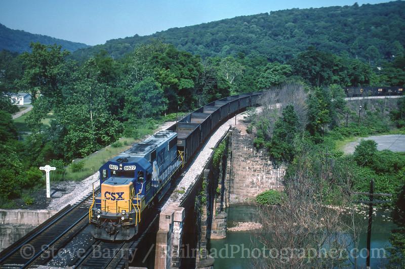 Photo 4074<br /> CSX Transportation; Piedmont, West Virginia<br /> June 1995
