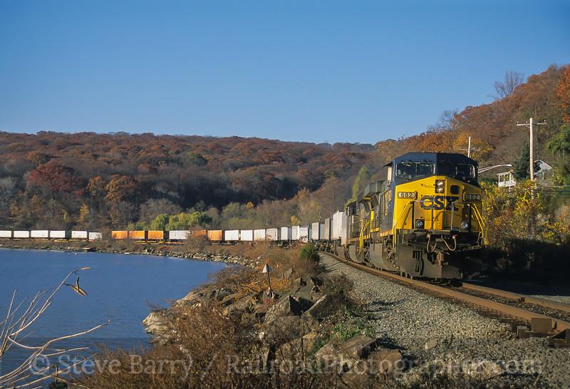Photo 4215<br /> CSX Transportation; Tomkins Cove, New York<br /> November 2005