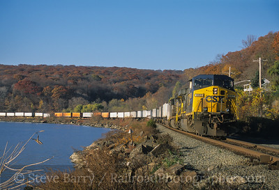 Photo 4215 CSX Transportation; Tomkins Cove, New York November 2005