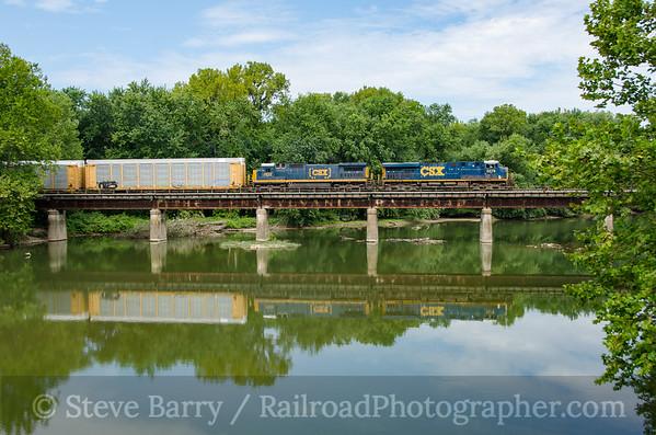 Photo 3453 CSX (on Luisville & Indiana); Columbus, Indiana August 15, 2015